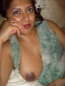 Meri pados ki aunty ke boobs