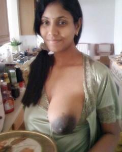 Amateur Indian wide ke bade bade nipples