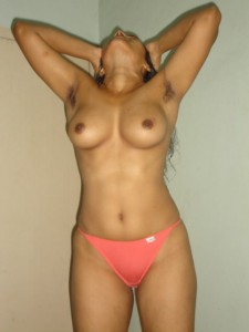 Indian bhabhi ki red panty