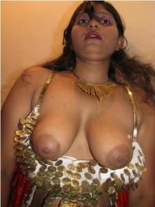 Indian randi ke bade boobs