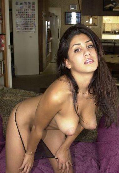 Pyasi girlfriend Swati ka sexy photo