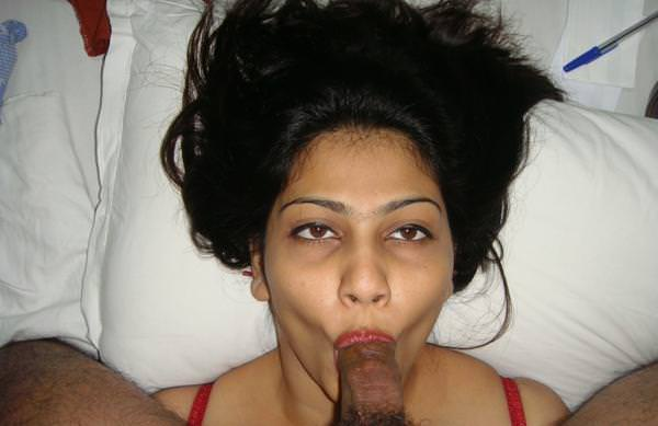 Office ki ladki ne manager ka lund chusa – Desi blowjob photo