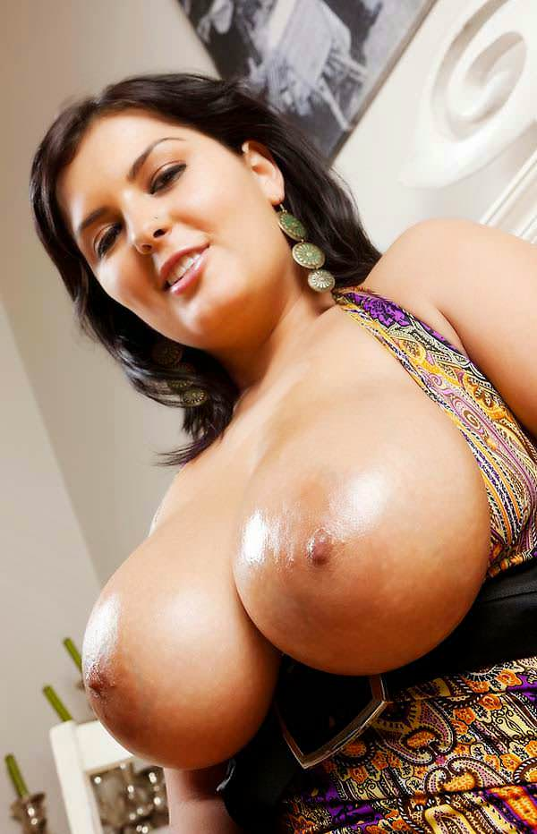 Huge Indian boobs