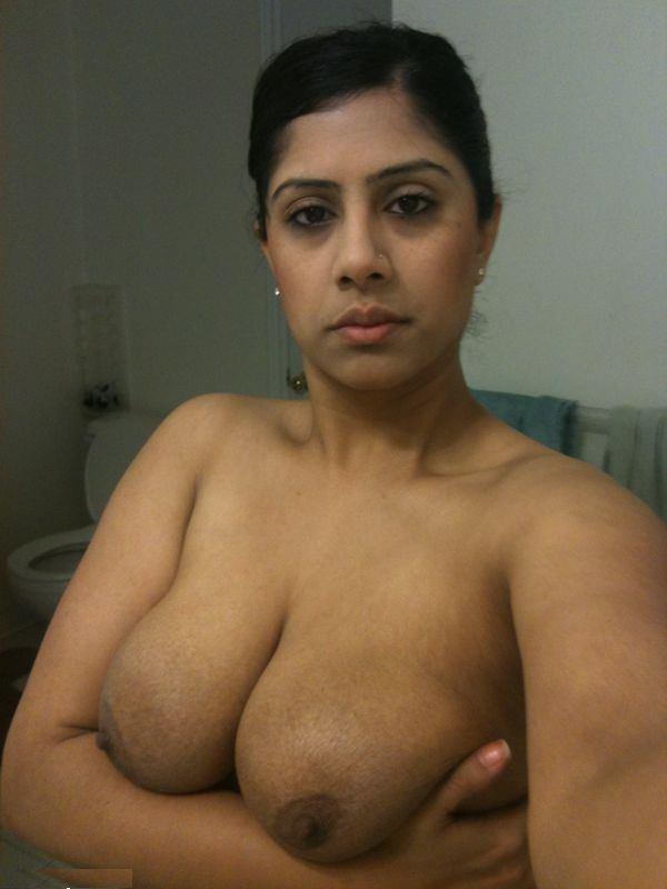 Tamanna aunty ke big boobs