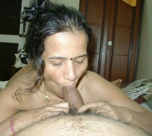 Mallu aunty hot blowjob