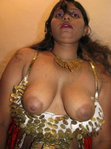 Shabnam aunty ke sexy boobs