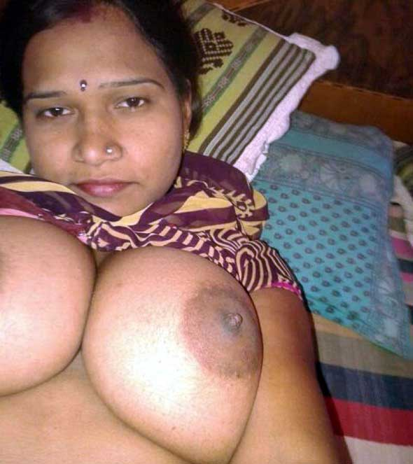 Indian porn videos of cheating sexy Indian bhabhi sex with