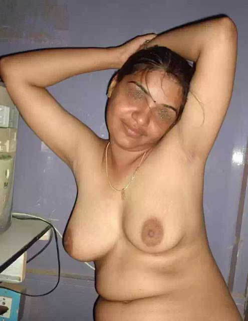 Desi garma garam chut me land ghusa do - 3 1