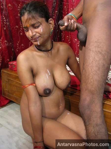 Desi bhabhi ne blowjob ke baad cumshot muh aur boobs par liya. Pregnancy me chut nahi chudwa sakti thi islie yah bhabhi ne lund chus ke diya
