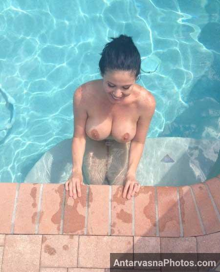 Naked Women Big Boobs Swimming 108