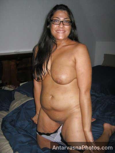 Busty Indian aunty ki chut dekh ke lund khada ho gaya