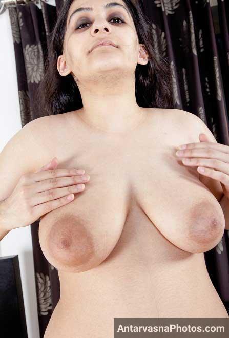 Aunty ji ke big boobs ko dekh ke hi lund khada ho jaata hai