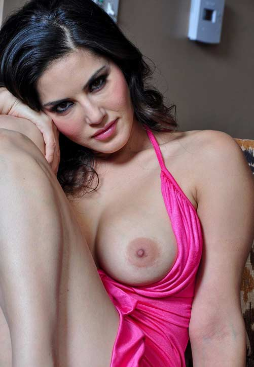 Big boobs show in pink nighty