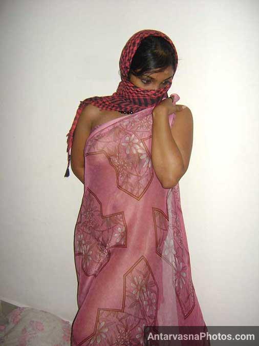 Transparent saree me Misha ke boobs - Hot Indian sali photos