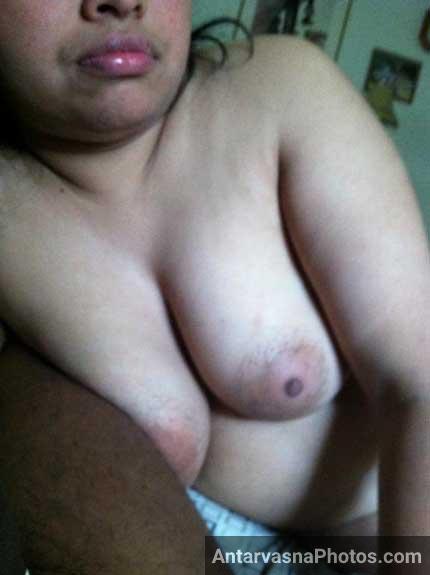 Bade desi boobs wali chudakkad bhabhi ke hot pics
