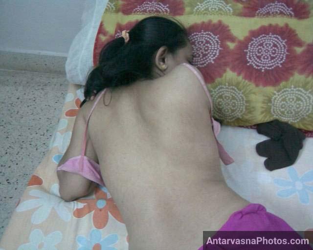 Bhabhi ne bra khol ke apni kamar dikhai - Hot bhabhi porn pics