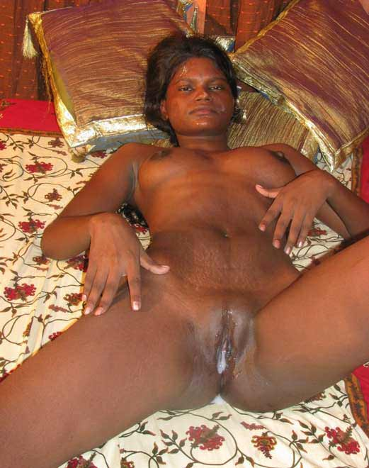 Kala ko chod chod ke lund ka pani chut me hi chhoda - Desi maid sex pics