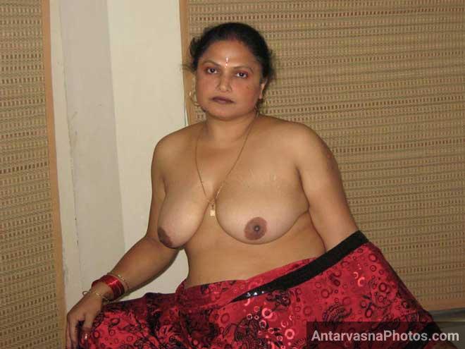 Horny aunty big boobs - Desi sex pics