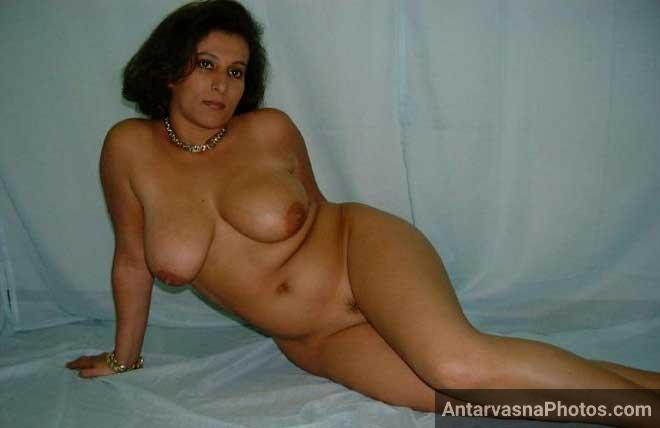 Horny aunty
