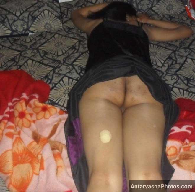 Desi hot gaand ke pics - Bhabhi ne panty utaaar ke apne kulhe khole
