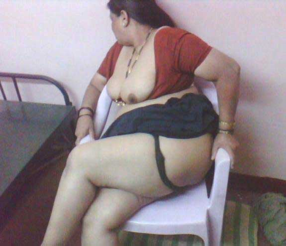 Moti kamwali aunty ki hot jaangh aur boobs ka photo