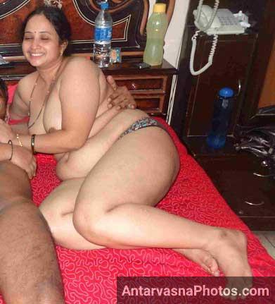Nude Indian bhabhi Swati ke sath mast romance kiya