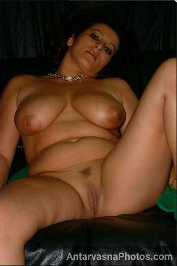Mature naked women pakistani