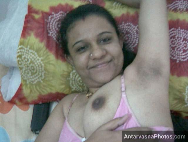 Gaand ke baad Rita ne boobs dikhaye - Bhabhi porn pics