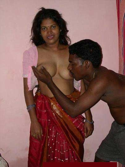 Indian couple sex pics - Wife ke desi boobs husbane ne chuse