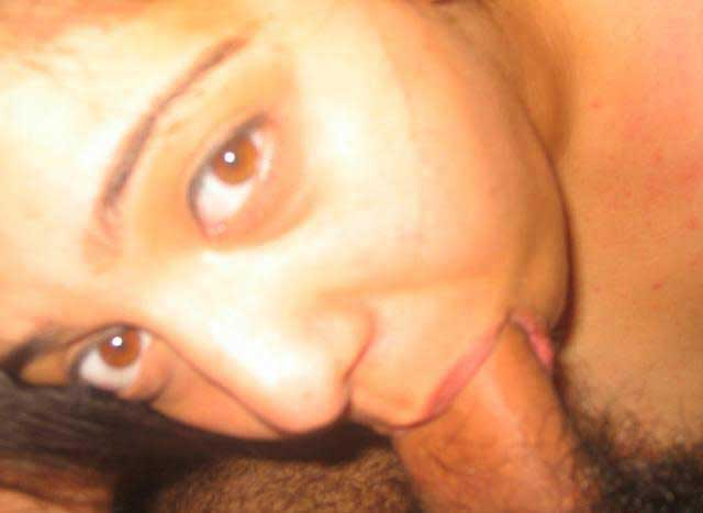 Hot Indian blowjob pics - Married bhabhi ne loda chusa apne boss ka
