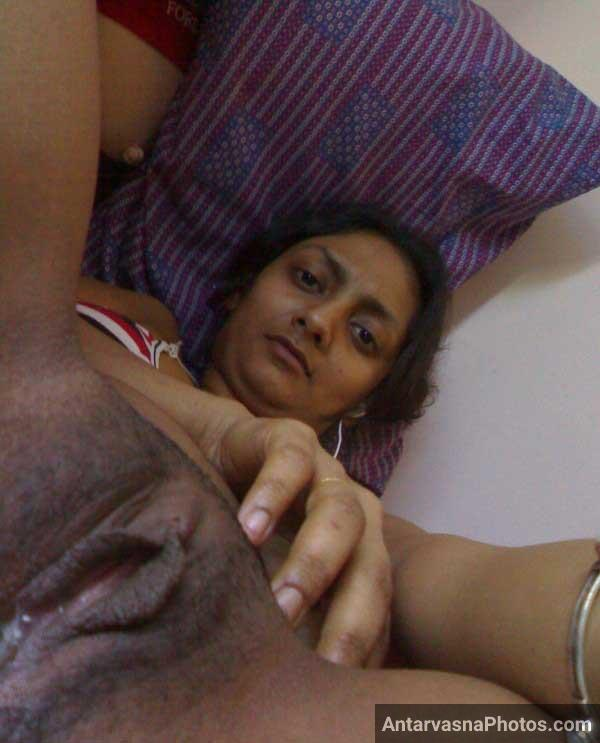 Nude Indian girl with hot chut - Sex pics