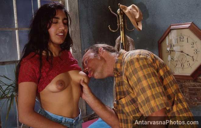 Papa ke dost ne hot Indian ladki ke desi boobs chuse