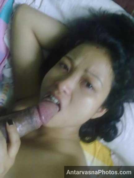 Pilot ka lund chusti hui nude Indian air-hostess ke pics