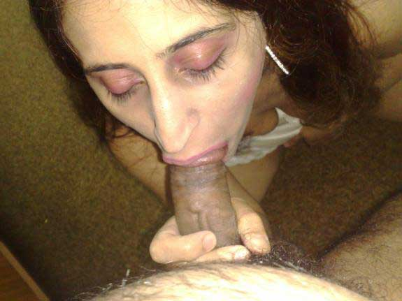 Desi girl sucking lund and balls