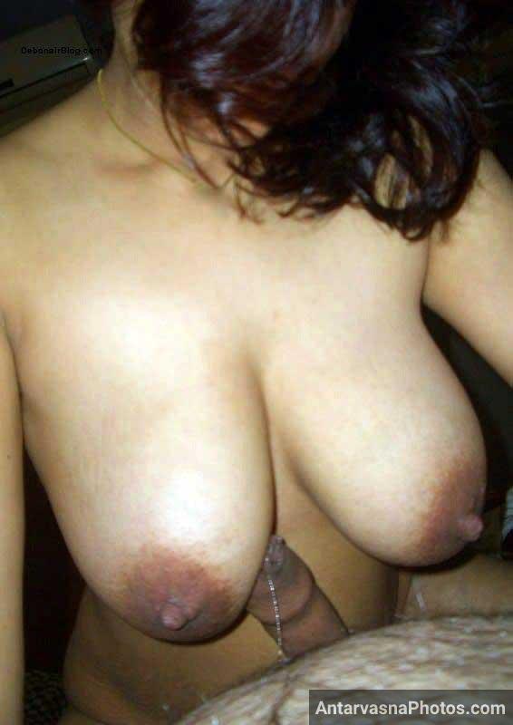 Sexy Pakistani bhabhi ke boobs ki chudai ka photo