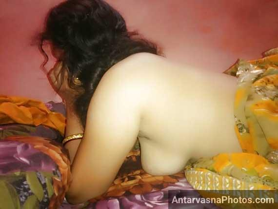Desi bhabhi ne sex chat karte hue apne boobs khole - Desi sex pics