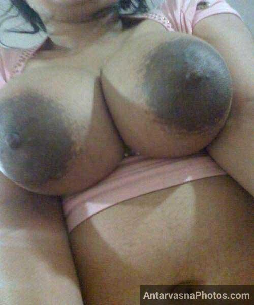 Aunty ke nipples bade hi sexy hai