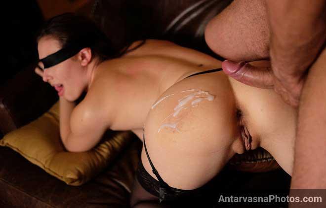 Aroused hot wife ki gaand par wiry chhoda