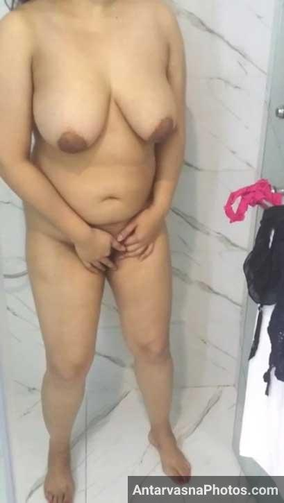 Big boobs bhabhi masturbation kar rahi hai pati ke samne