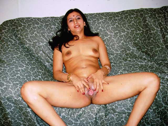 Indian aunty ki pyasi chut ka photo