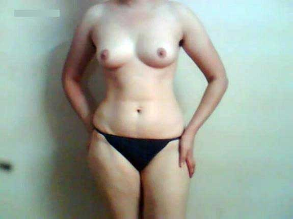 Sexy figure wali hot Pakistani bhabhi ka nude photo