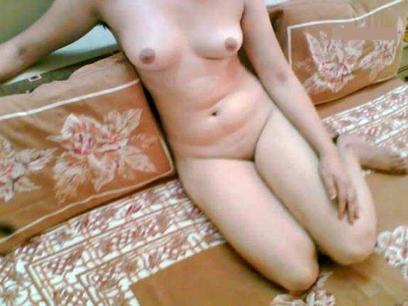 Tight boobs wali Pakistani bhabhi ka hot pic