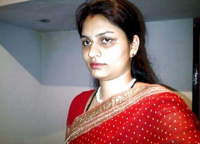 Sandhya bhabhi hot looks in saree