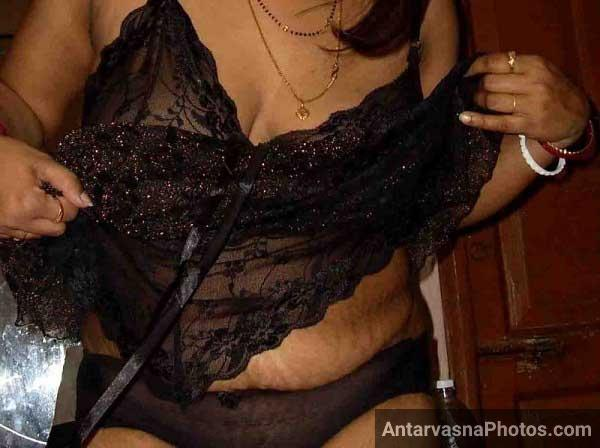Chandrika bhabhi nighty photos - Bhabhi ne jawani ke maje dikhaye nighty utha ke