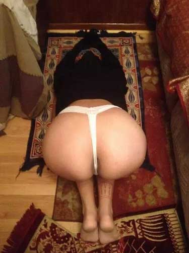 Arab slut apni muslim ass chudwane ke lie ready he