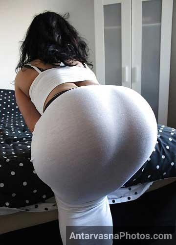 White dress me Nadia madam ne apni big Pakistani ass dikhai
