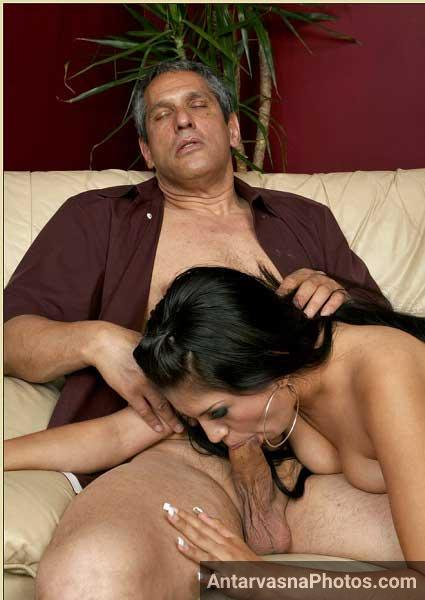 Boss ke lode ko sexy Sharmili ne muh me le liya - Desi blowjob photos