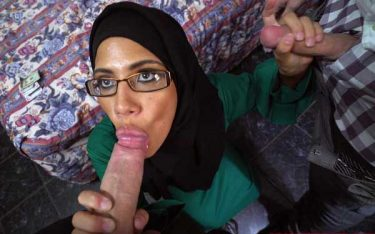 Do do lund ko sukh deti hui sexy muslim girlfriend ke sex pics
