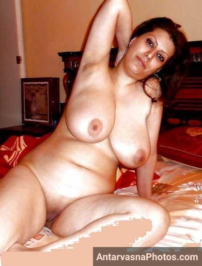 Teacher Uma aunty ne apne bade boobs aur chut dikhai