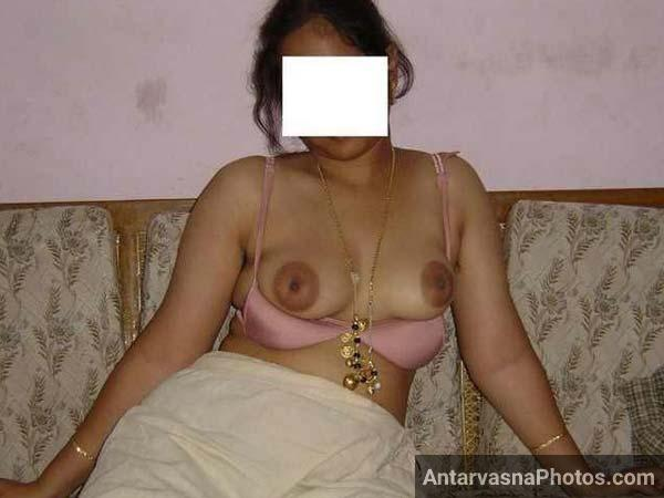 Marwadi bhabhi ne bra khol ke boobs dikhaye - Desi chuchi photos